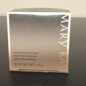 Mary Kay translucent loose powder NEW